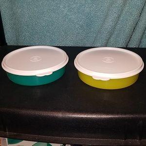 2 Tupperware bowls